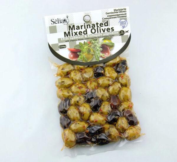 Оливки маринованные ассорти с специями в масле 250г